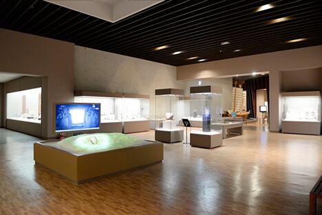 美術館、博物館への搬入・設営